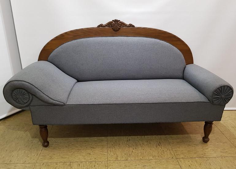 Antik sofa fra Møbelpolstrer & Kalechesmeden