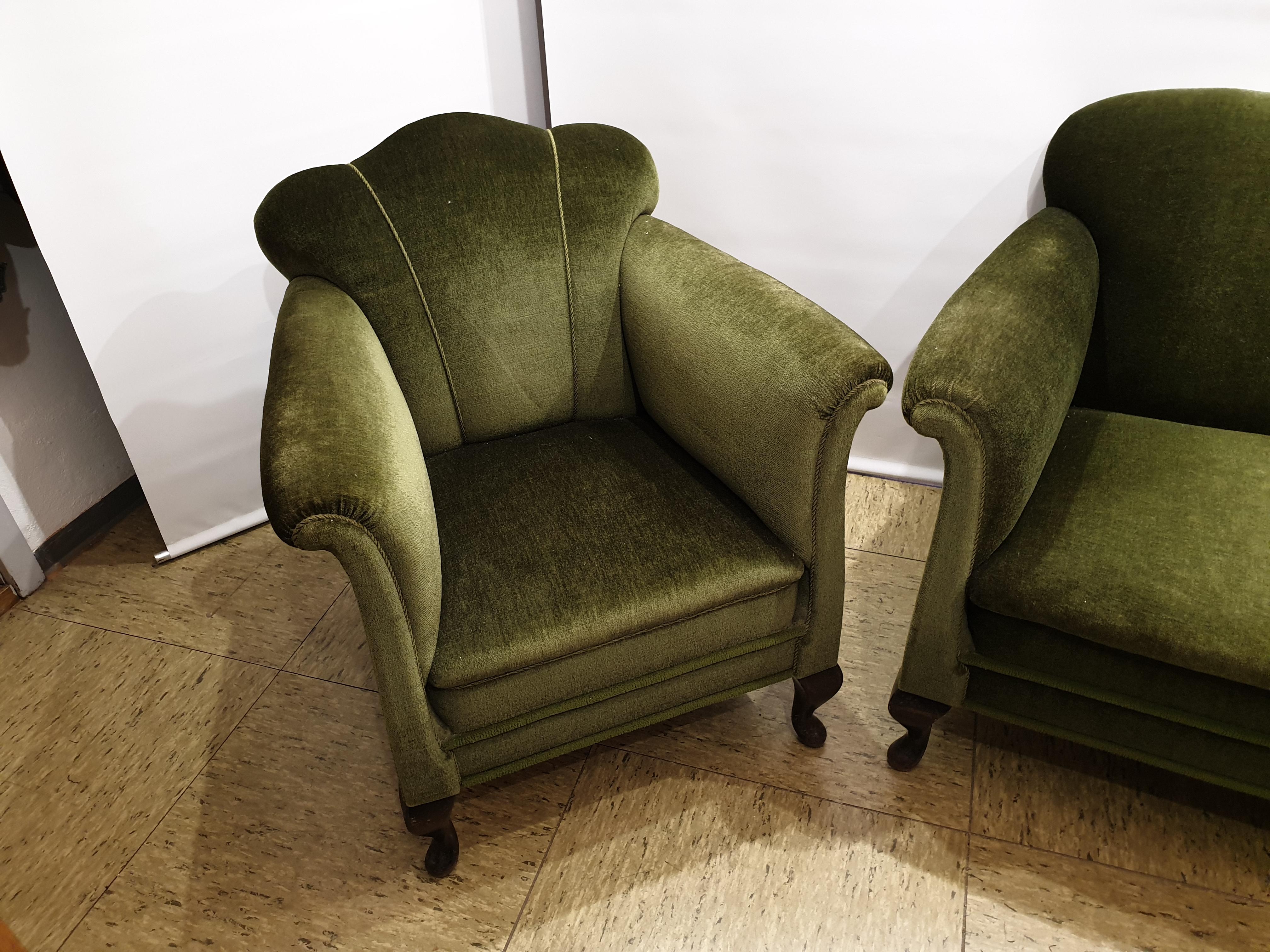 ældre sofa og stol i velure