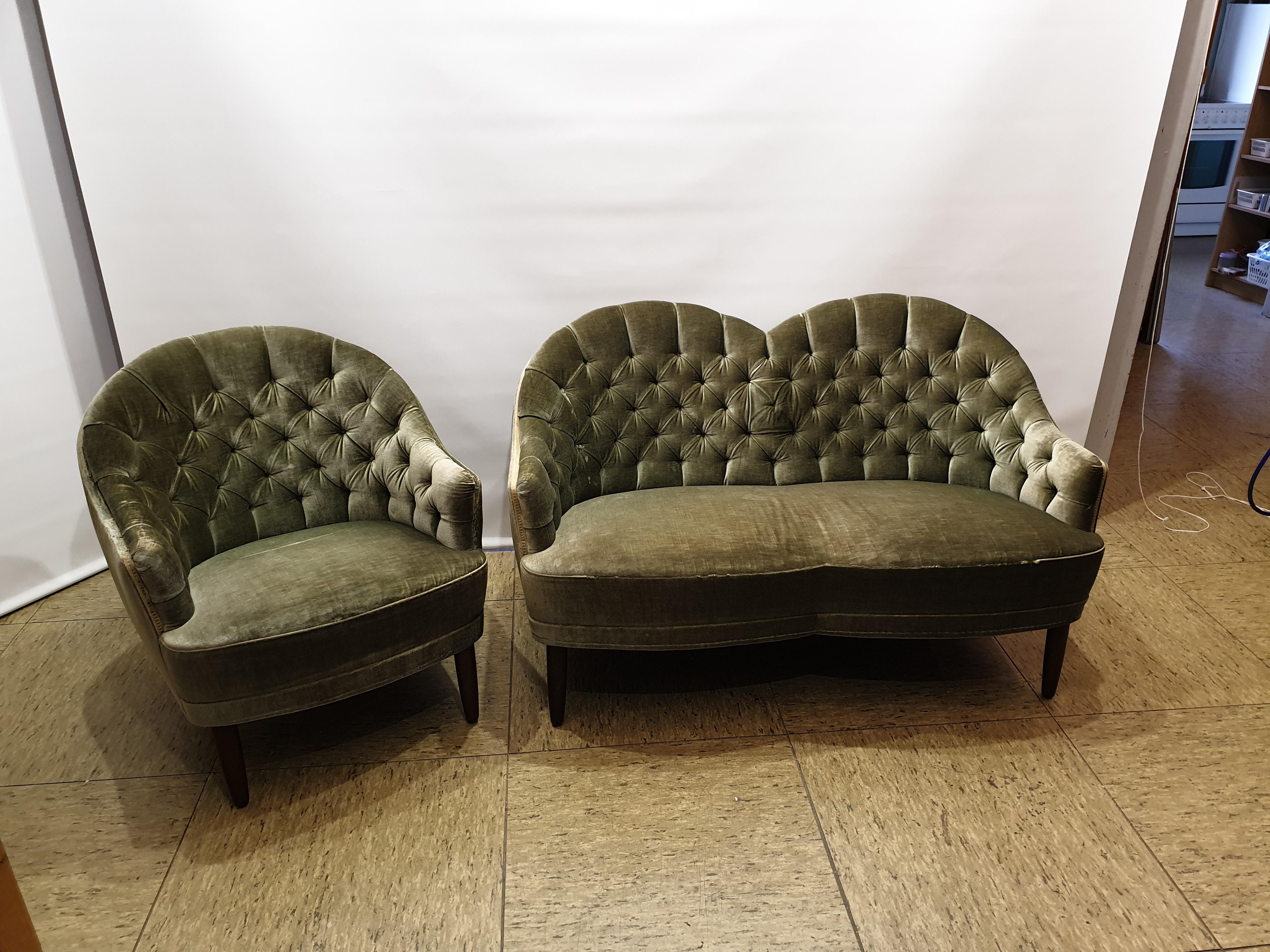 ældre sofa i velure